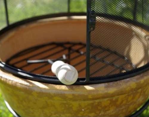 Kruhové topeniště zahradního krbu včetně roštu pro grilování