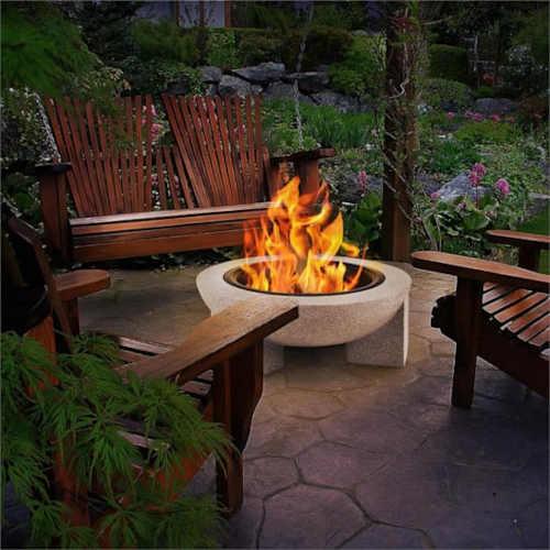 Kameninové ohniště s grilovacím roštem
